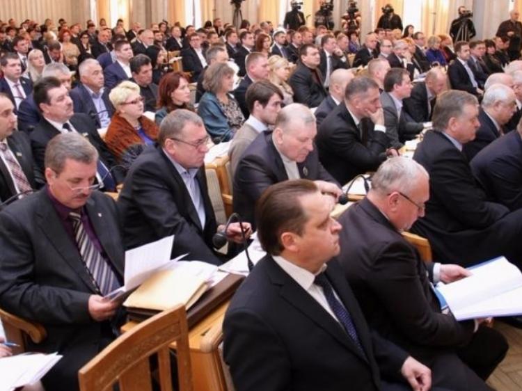 У ногу з часом – подалі від народу. Харківські депутати куплять собі планшети на 4 мільйони